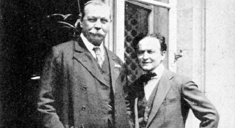 """""""История спиритуализма"""" Артура Конан Дойла. На фото: Сэр Артур Конан Дойл и Гарри Гудини"""