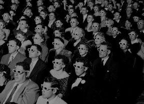«Общество спектакля»: о чем нас предупреждал Ги Дебор в 1967 году?