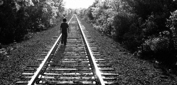 Диалог насмерть: почему так популярны группы смерти и в чём причина подростковых суицидов