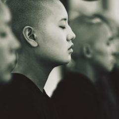 Как выйти из колеса привязанностей и не удариться в мистику: современный подход к практике буддизма