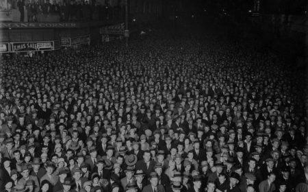 """Карл Густав Юнг: """"Чем больше толпа, тем ничтожнее индивид"""""""