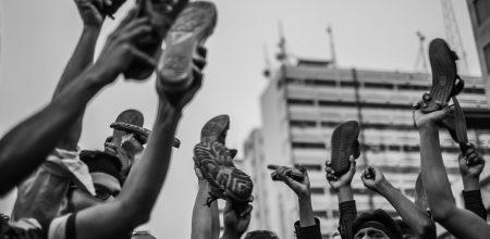 """""""Город и ненависть"""": Жан Бодрийяр об урбанизме и культуре озлобления"""